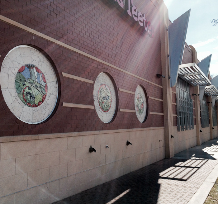 Side of Harris Teeter with integrated art